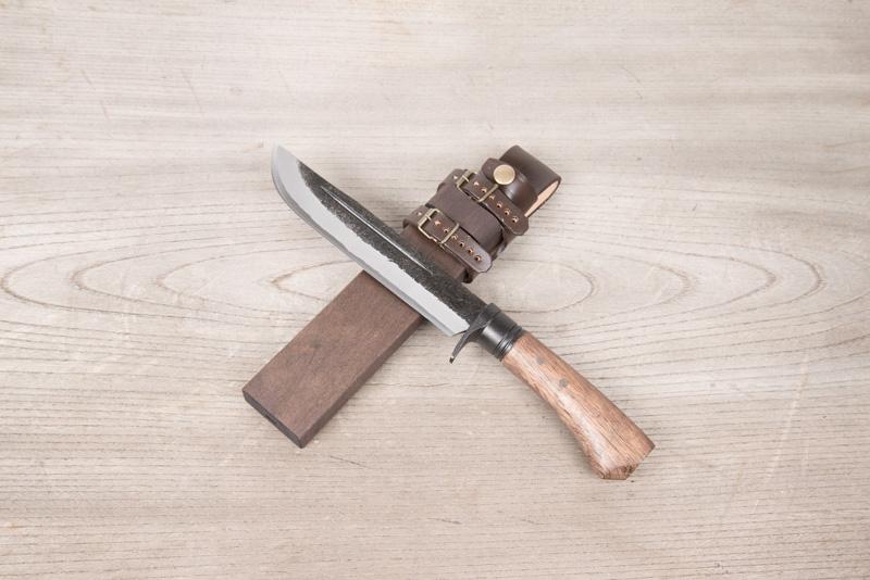 土佐鍛 古式精錬 狩猟刀180青2 両面ヒ入 樫柄木鞘(オイルステン) 革バンド